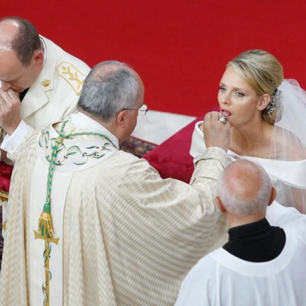 Alberto II y Charlene finalmente se casaron este 2 julio de 2011.