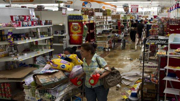 Las autoridades han detenido a tres personas por robos a tiendas Cotsco, según medios.