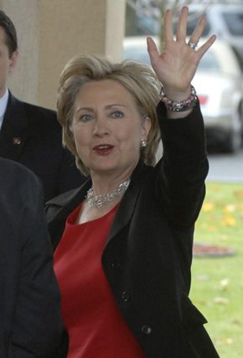 Tanto republicanos como demócratas consideran que el nombramiento de la ex primera dama como responsable de la política exterior, sería un acierto en el gobierno de Obama.