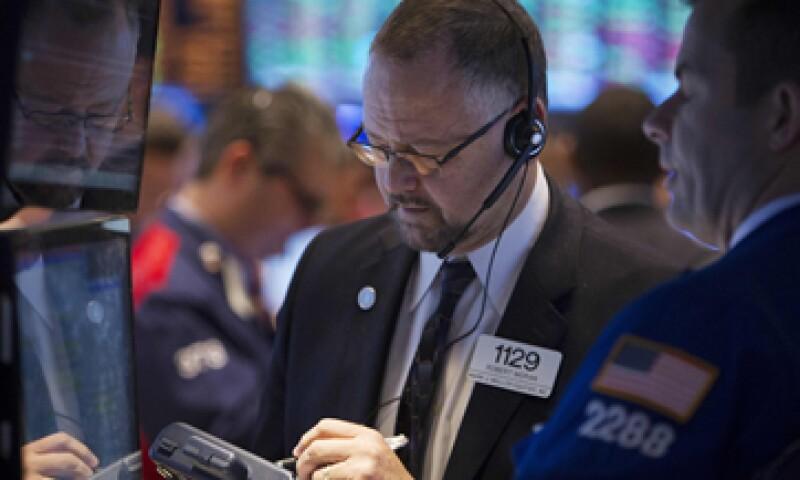 El Dow Jones subía 0.46% en las primeras operaciones del día. (Foto: Reuters)