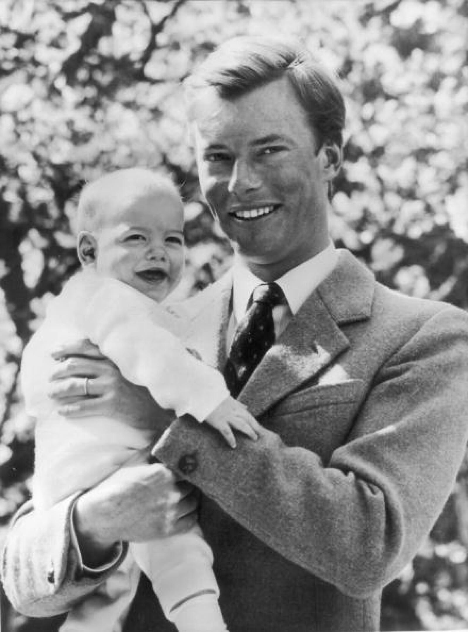 El Gran Duque Henri y su primer hijo Guillermo.