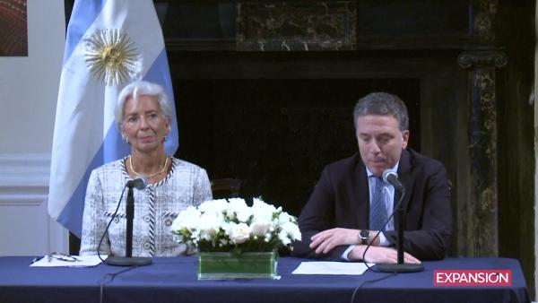Argentina amplía en 7,100 mdd su programa con el FMI