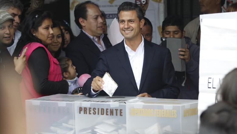 El candidato del Partido Revolucionario Institucional (PRI), Partido Verde Ecologista (PVEM) y del Movimiento por México votó alrededor de las 11:30 am de este domingo en una casilla ubicada en Atlacamulco.