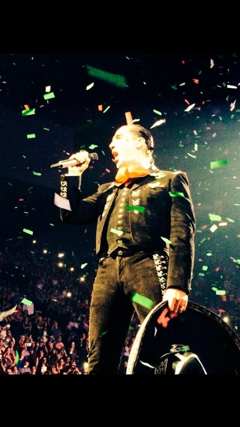 El cantante presentó como cantante a su hija Camila, de 17 años, en el MGM Grand Las Vegas.