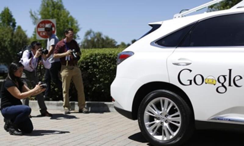 El conocimiento de software se convirtió en un nuevo campo de batalla para las automotrices y las tecnológicas. (Foto: Reuters)