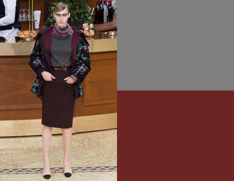 Chanel propone complementar borgoña y gris.