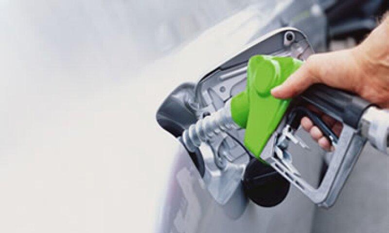Hacienda estima un subsidio a la gasolina de 50,000 mdp para 2012 y 40,000 mdp para 2013.  (Foto: Getty Images)