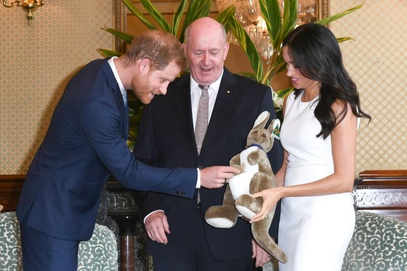 Harry, Meghan y Peter Cosgrove, Australia 2018