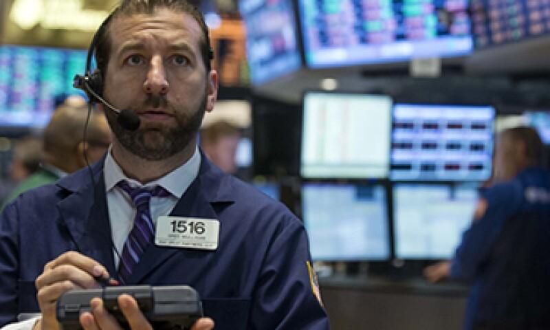 Los inversionistas están temerosos tras haber vivido una semana de récords al alza. (Foto: Reuters)
