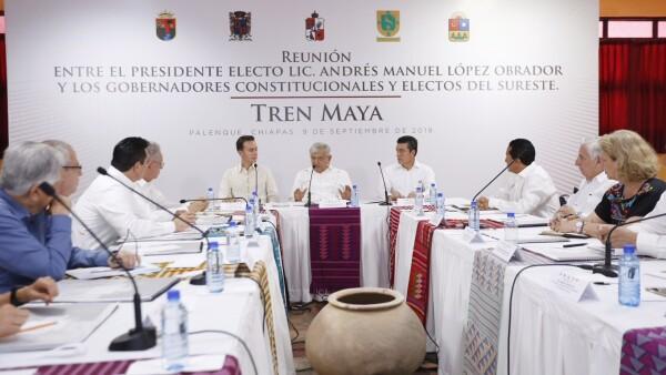 AMLO se reúne gobernadores del sureste