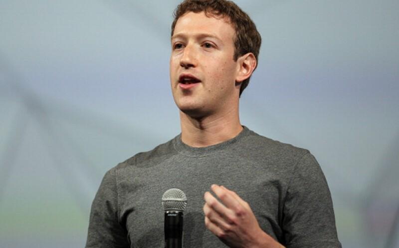 El presidente ejecutivo Zuckerberg planea llevar WiFi al Sahara a través de aviones no tripulados y satélites.  (Foto: Reuters )