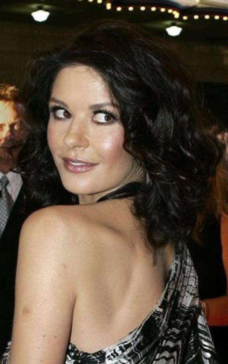 "La esposa de Michale Douglas protagonizará ""Cleo"", un musical de época."