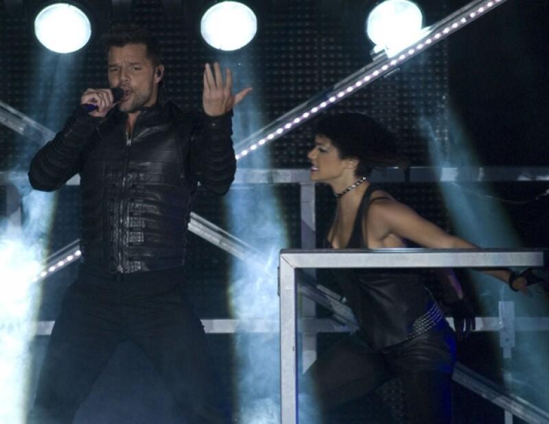 Al presentarse en el Auditorio Nacional, el cantante boricua, quien inició su carrera en México, pidió a su público no caer en la trampa de la discriminación.