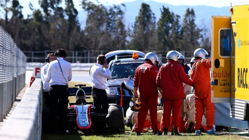 Fernando Alonso accidente vuelta 20 Montmelo Barcelona