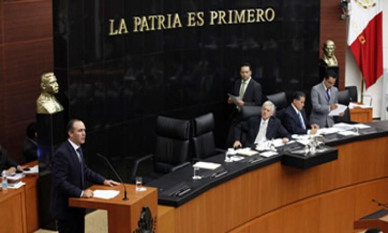 Los senadores también aprobaron la creación de una regulación única para los comprobantes fiscales simplificados. (Foto: Notimex)