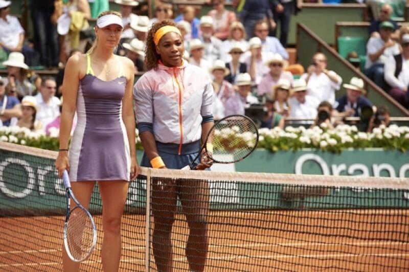 Serena Williams le ganó a María Sharapova en el Abierto de Francia hace dos semanas.