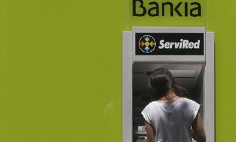 Los ministros de Finanzas de la zona euro acordaron una ayuda de 100,000 millones de euros para la banca española.  (Foto: Reuters)