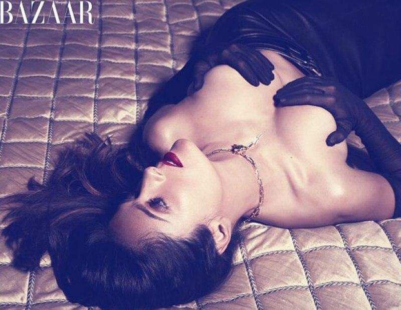 La actriz mexicana reconoció la importancia de sus curvas, debido a que mejoran su imagen y en concreto su rostro, que se ve mucho mejor que cuando está  muy delgada.