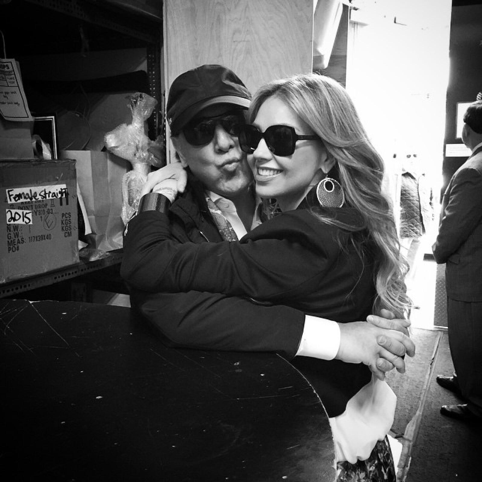 Thalía presume con estas fotos momentos románticos a su esposo.