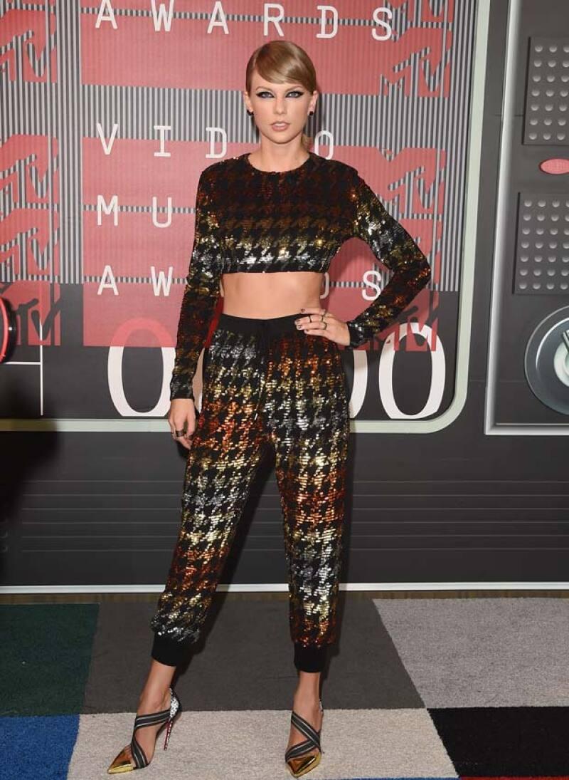 La cantante recibió más premios que nadie este año gracias a su álbum 1989.