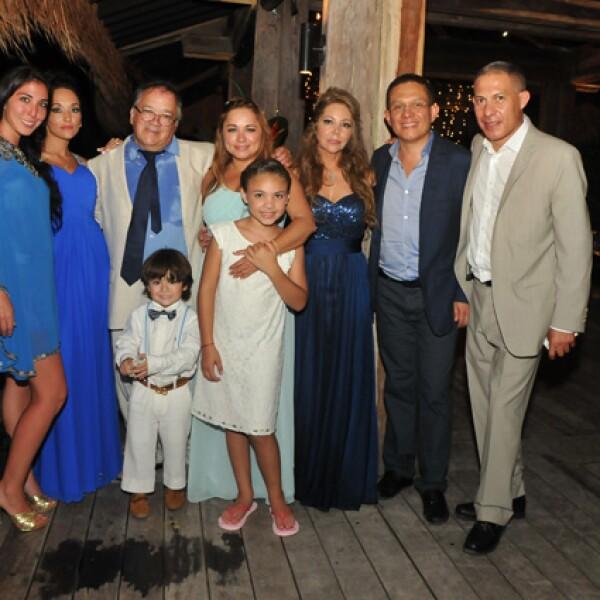 Criselle, Lorena, Carlos González,  Verónica Ibarra, Karla González, Diego Quiroz, Sergio y Guillermo Díaz, Mariana Maldonado.
