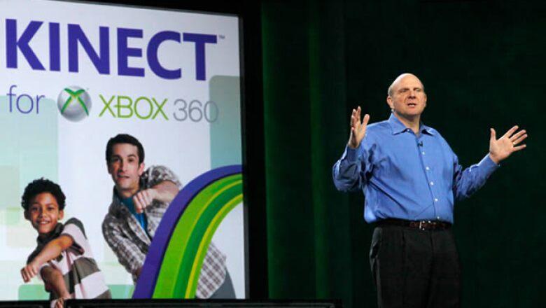 Steve Ballmer, CEO de Microsoft, da una conferencia previa al inicio formal del CES, en la que anunció que se han vendido más de 8 millones de unidades de Kinect.
