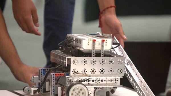 robot-.jpg