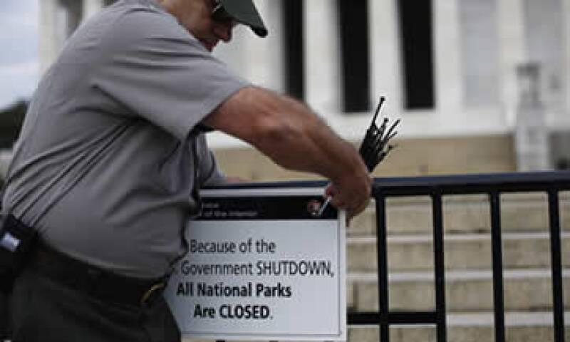 El Gobierno inició este martes una suspensión de actividades no esenciales. (Foto: Reuters)