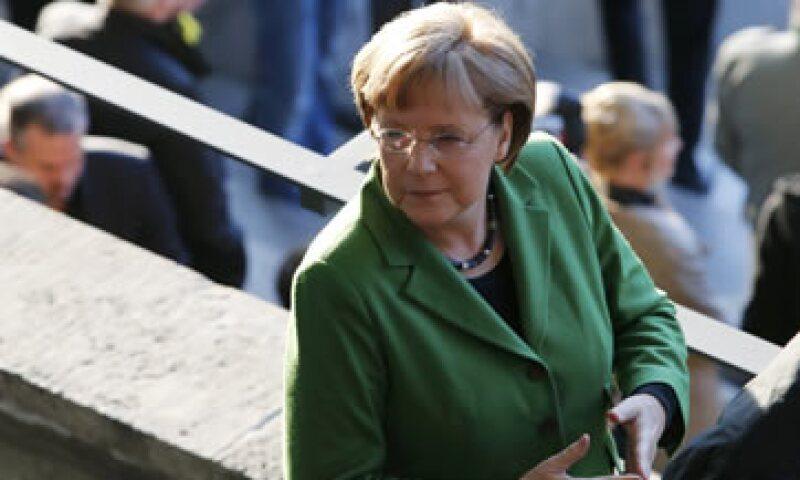 El golpe a Merkel se produce a dos días de que el nuevo presidente de Francia, Francois Hollande, visite Berlín. (Foto: Reuters)