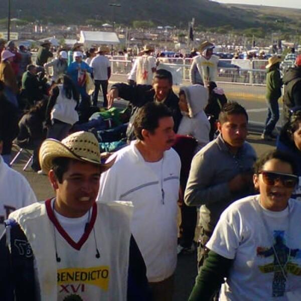 asistentes_misa_papa_benedicto_guanajuatomisa_papa_guanajuato_benedicto