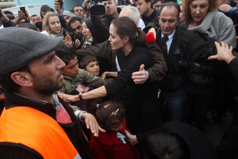 La esposa de Brad Pitt siempre ha mostrado interés por la causas humanitarias y la niñez, sin embargo, este buen gesto despertó aún más admiración hacia ella.