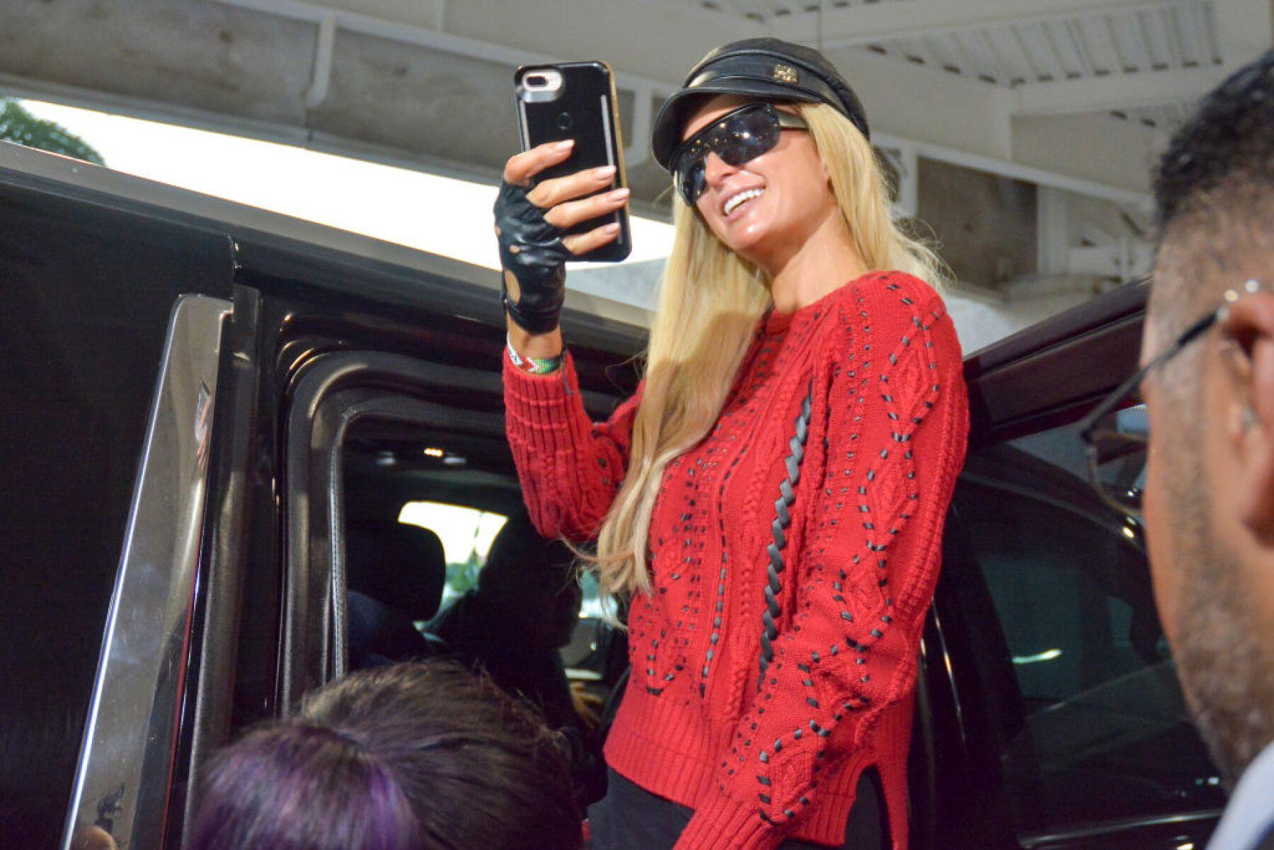 Paris Hilton Arrives To Mexico