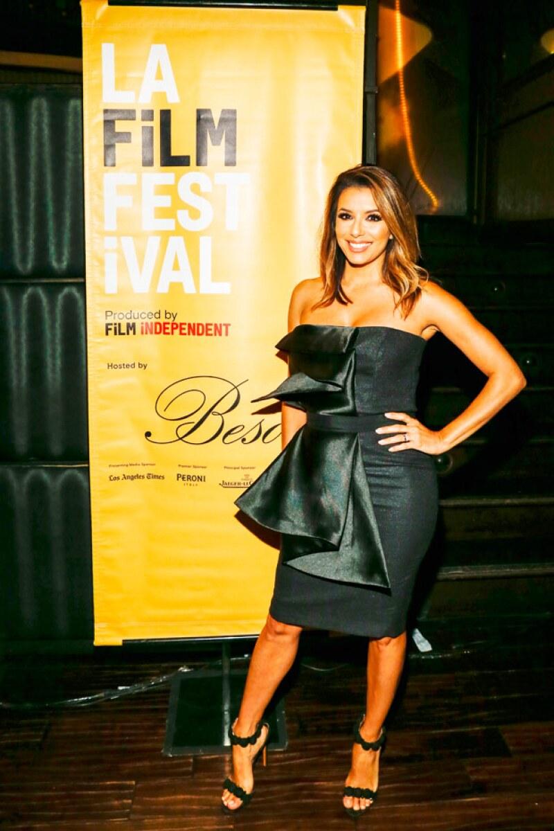 La actriz y Pepe Bastón acaban de regresar de su Luna de Miel y ahora Eva retoma sus compromisos laborales, fue este miércoles que estuvo en la premiere de Lowriders en Los Ángeles.