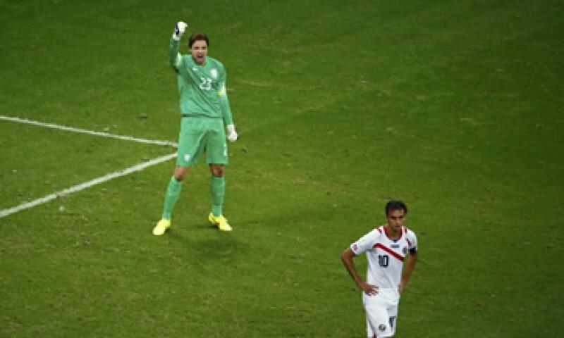 El portero de Holanda, Tim Krul, celebra el triunfo sobre el equipo de Costa Rica. (Foto: Reuters)
