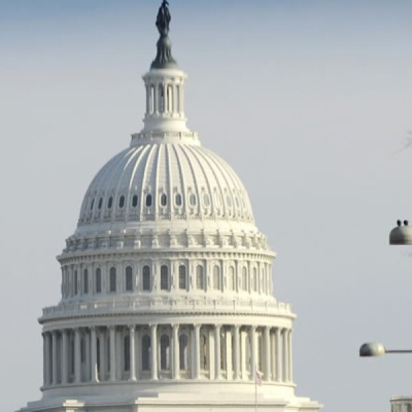El Senado Estadounidense aprobó el plan de gastos para el 2010; la cantidad final de 1,100 billones de dólares proyecta el mayor gasto en salud, educación y seguridad. Tras la  firma de Obama, será convertido en ley.