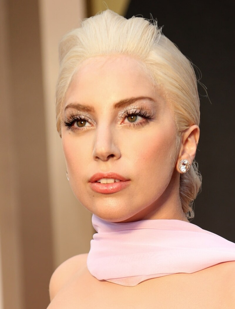 Lady Gaga opta por diferentes productos para cuidar su piel