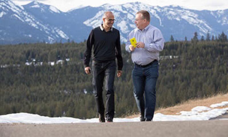 El CEO de Microsoft, Satya Nadella -izq- será jefe de Stephen Elop, tras la fusión.  (Foto: Tomada de microsoft.com)