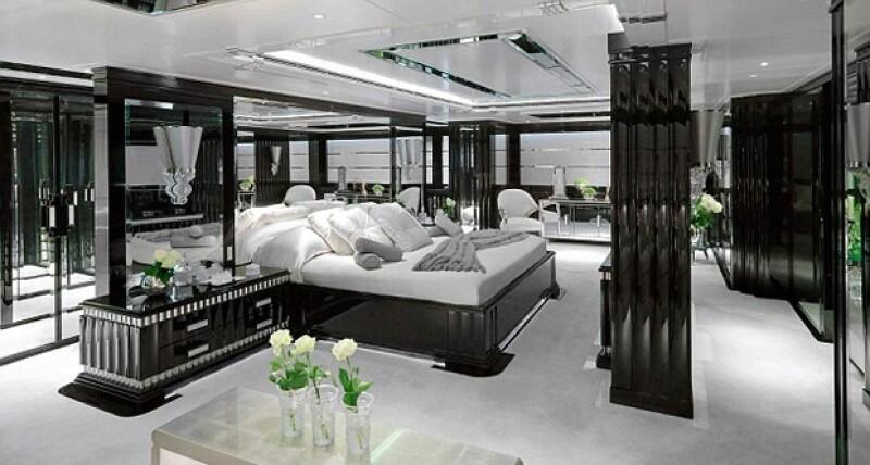 La recámara principal y toda la embarcación están diseñadas por la firma Argent Design.