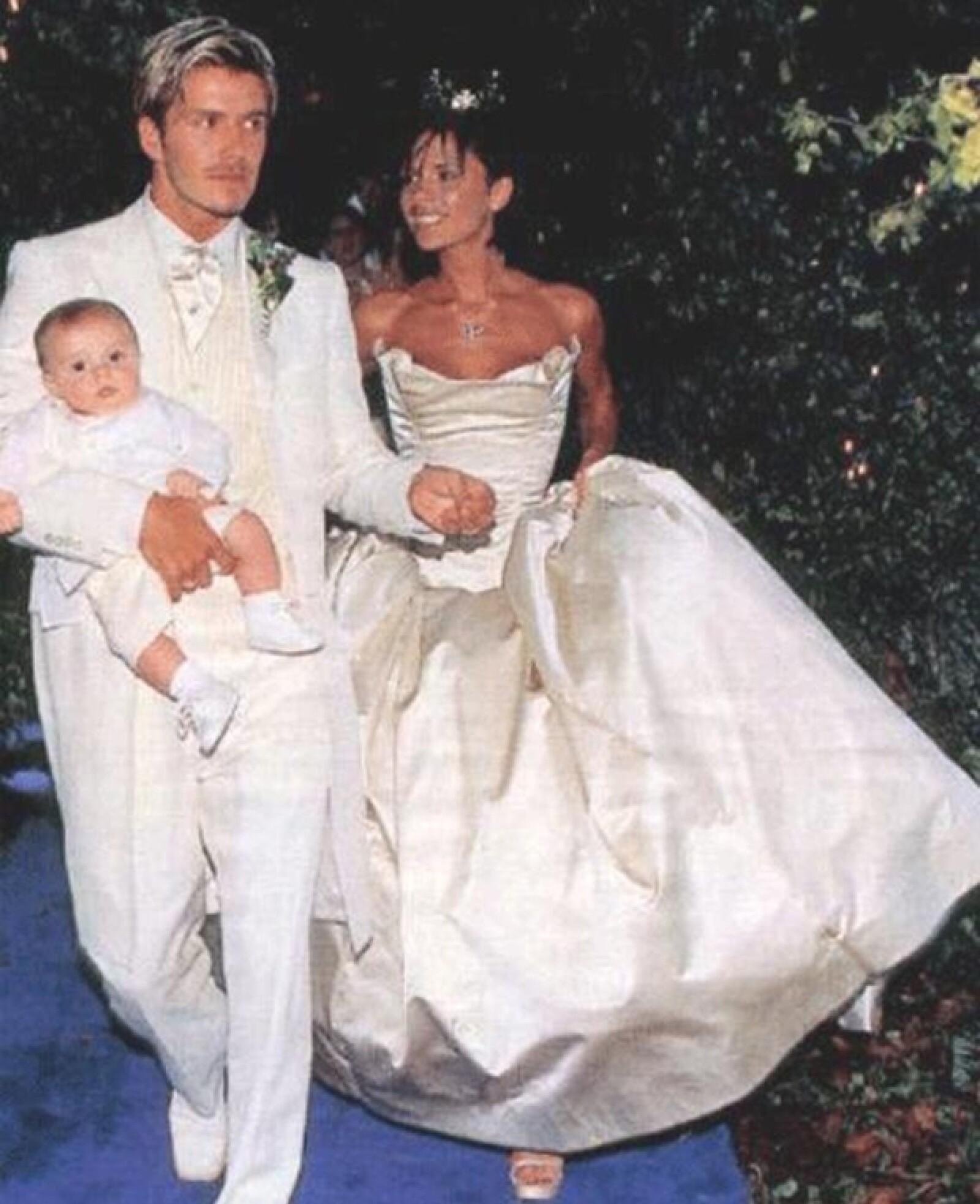 La pareja causó gran revuelo con su boda y su hijo Brooklyn los acompañó ese día especial.