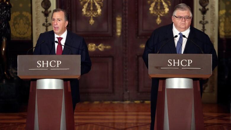 Meade y Carsten, salen a dar discurso, sobre el curso de la economia de México