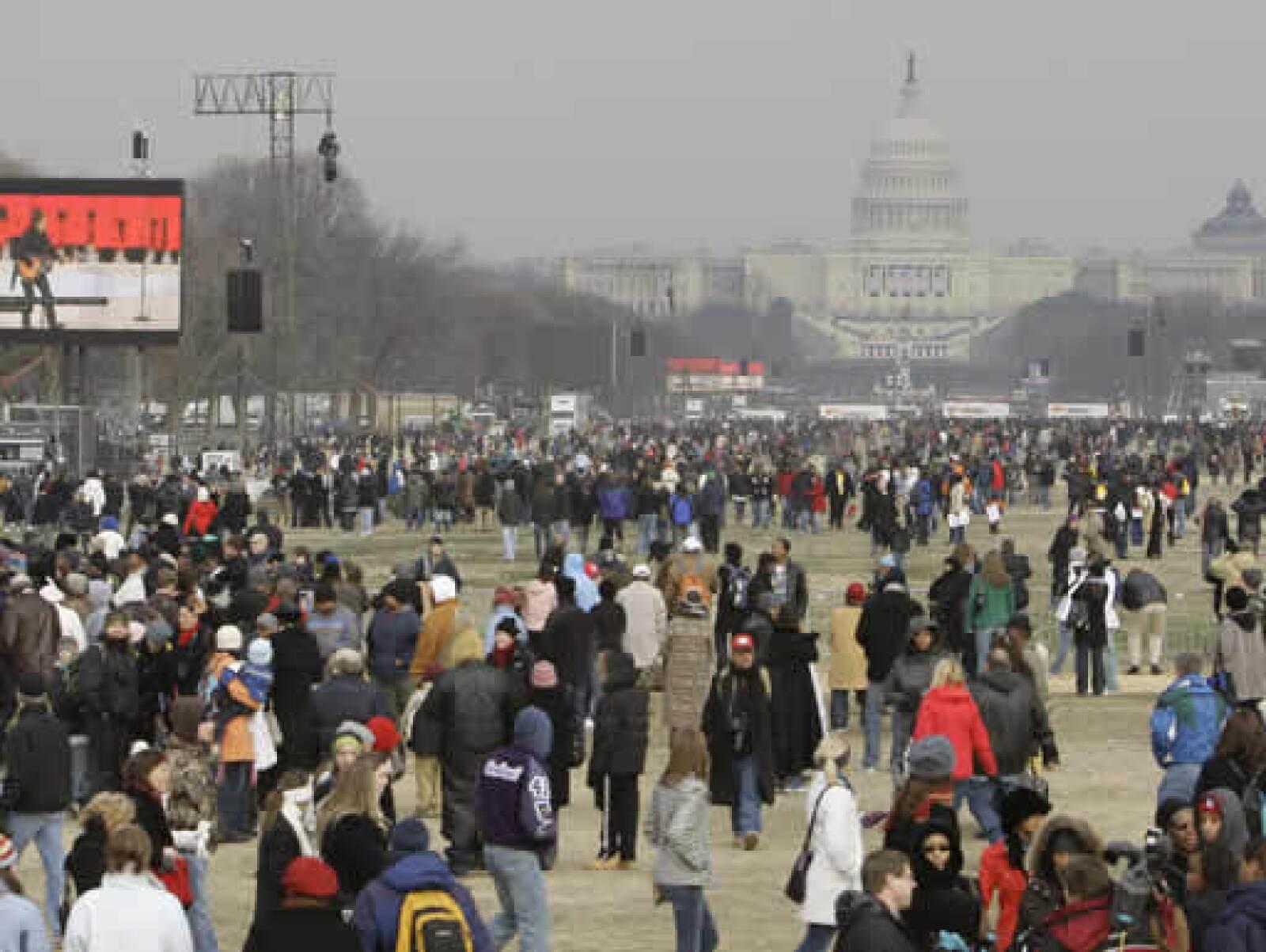 Cientos de miles de visitantes llegaron hasta Washington para las festividades de asunción.