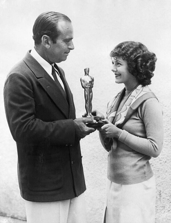Douglas Fairbanks Giving Janet Gaynor First Best Actress Oscar