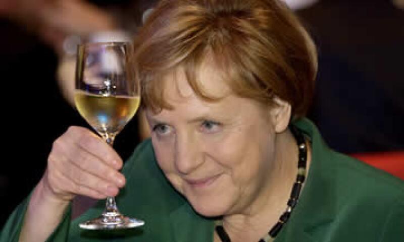 La canciller alemana indica que no se ha hecho lo suficiente en el trabajo de regulación financiera. (Foto: AP)