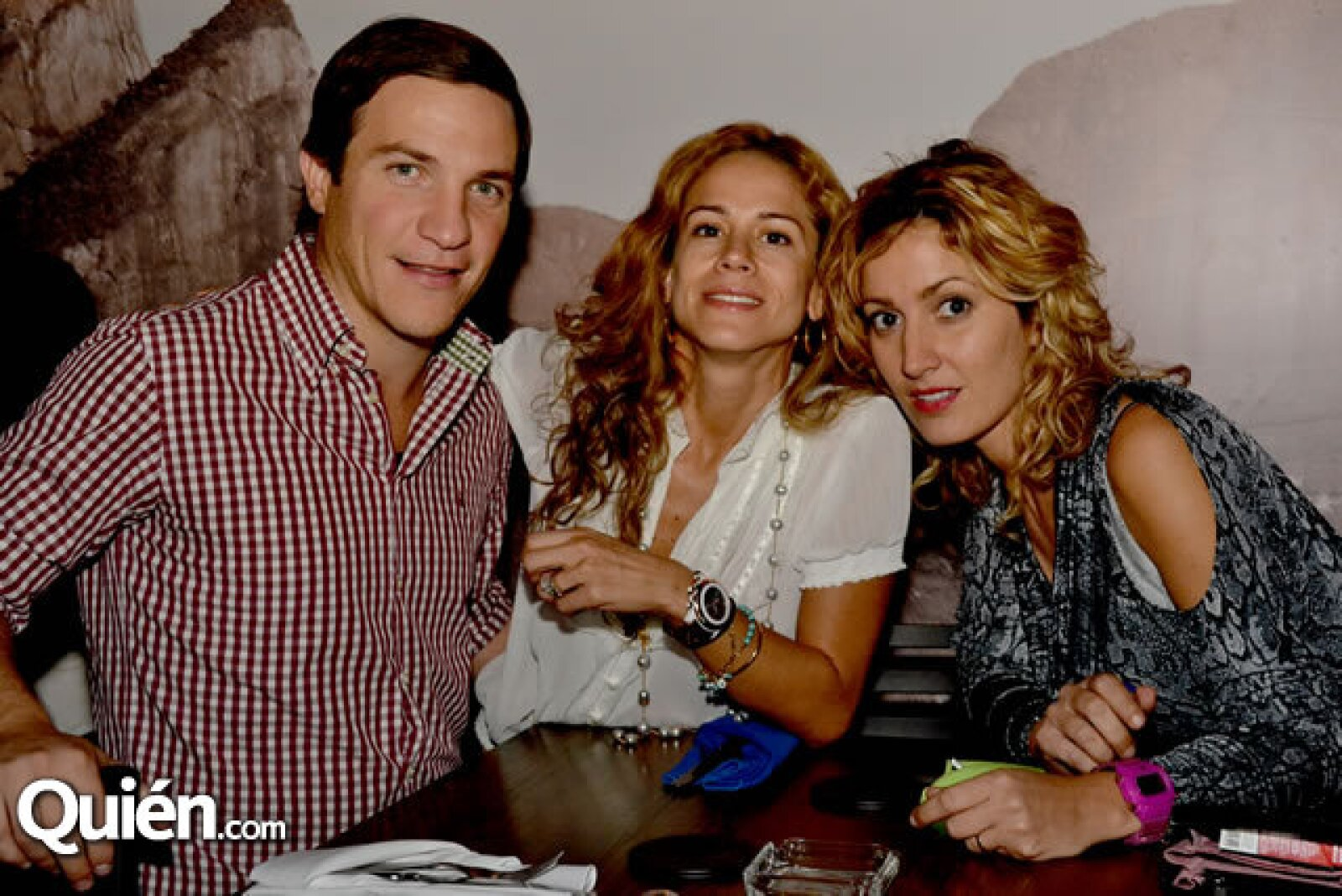 Javier Kalife, Maru Martínez y Mariela Cantú