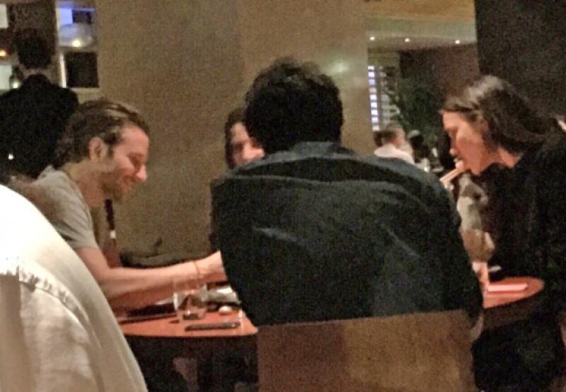 Después, la pareja fue captada cenando en el restaurante Novikov, donde aparentemente estuvieron acompañados de unas amistades.
