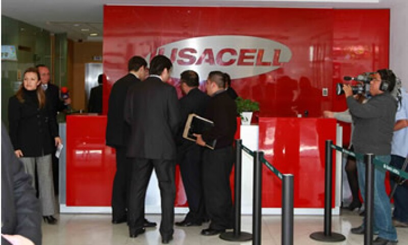 Algunos clientes de Iusacell se quejan de no tener servicio desde hace tres días. (Foto: Notimex)