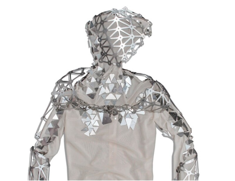 Este es el traje que se vendió por más de 15 mil dólares.
