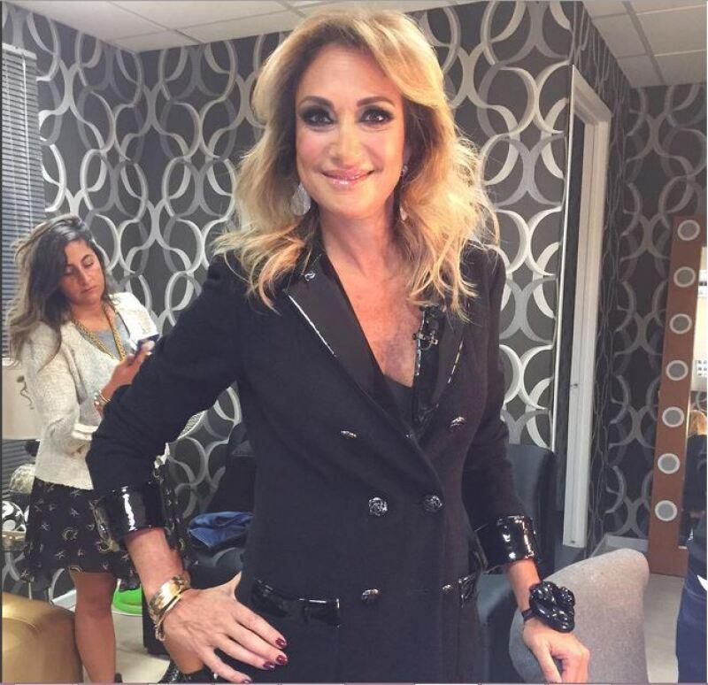 La conductora lució muy guapa durante la primera emisión del nuevo Big Brother y presumió su look en Instagram.