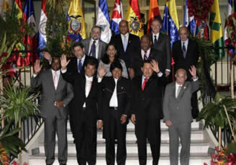 Los presidentes acordaron la facilitación del comercio con la nueva moneda (Foto: Reuters)