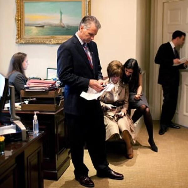 Huma Abedin - afuera Oficina Oval